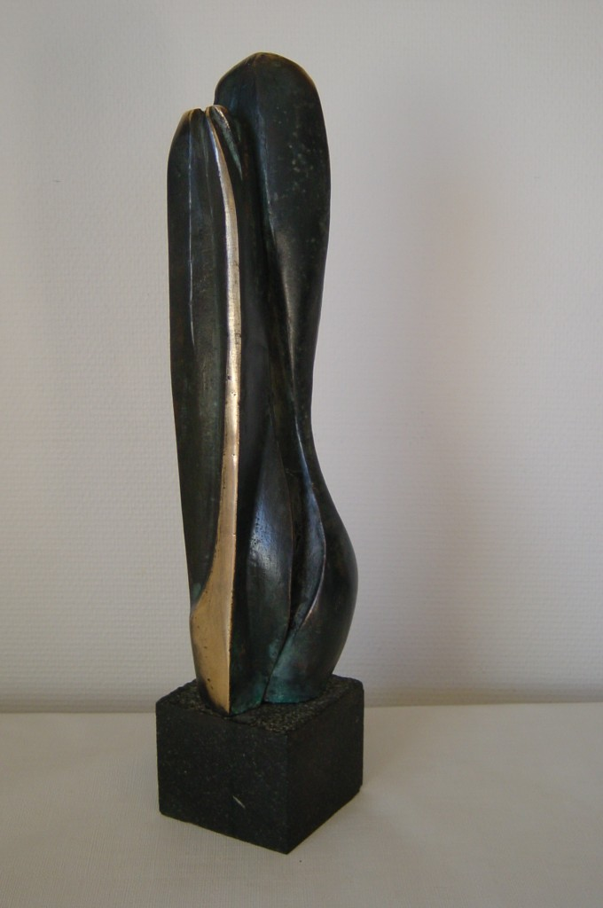 A pair, bronze på granit 49x11x11