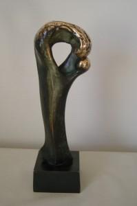 Dominans, bronze på granit 37x14x10