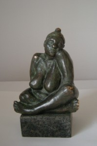Maja, bronze på granit 22x14x11