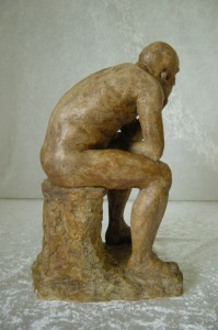 Ulrik filosoferer - unika stentøj   36x21x18